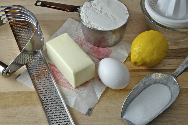 ingredients for lemon crostata