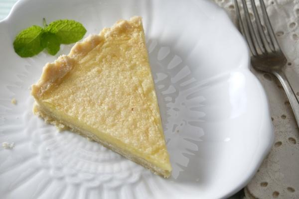slice of lemon crostata