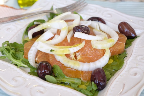 A winter treat: fennel, orange and olive salad