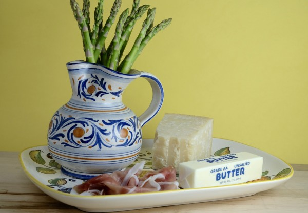 This dish has just 4 ingredients: asparagus, prosciutto, parmesan and butter.  Yum.