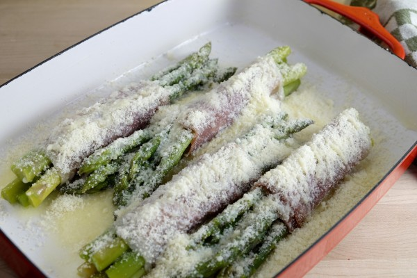 Baked asparagus bundles ready for the oven.
