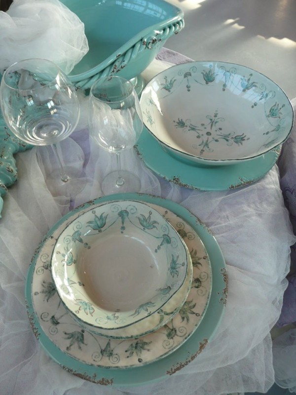 Bizzirri of Cerbara, Italy in Umbria makes exquisite tableware.