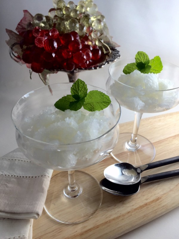 This is the delectable Prosecco lemon granita.