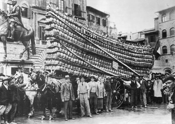 italian-bottle-delivery-1930