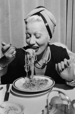 Learn from an expert Italian how to eat spaghetti.