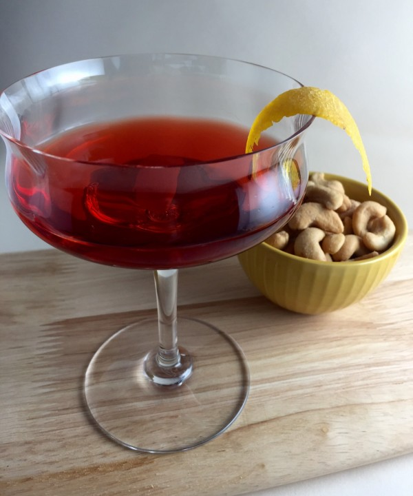 The perfect Negroni cocktail is great during the holidays.